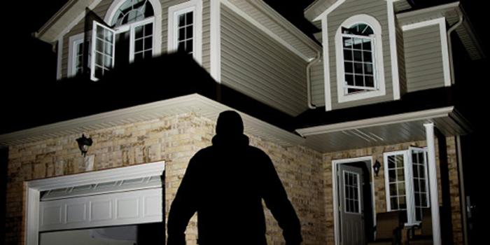 cách ngăn trộm vào nhà tối ưu nhất là khóa cửa điện tủ Bosch